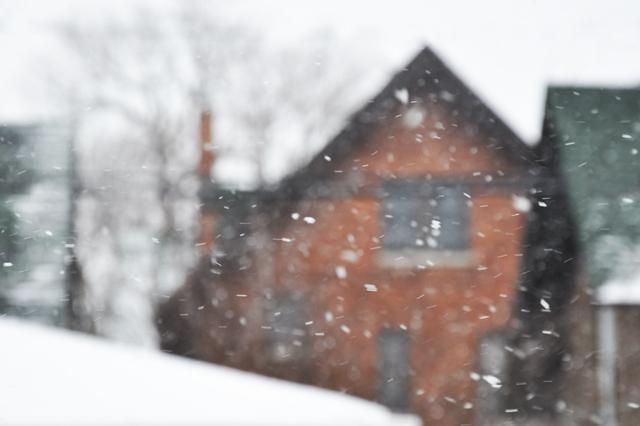 Snowyhouse640