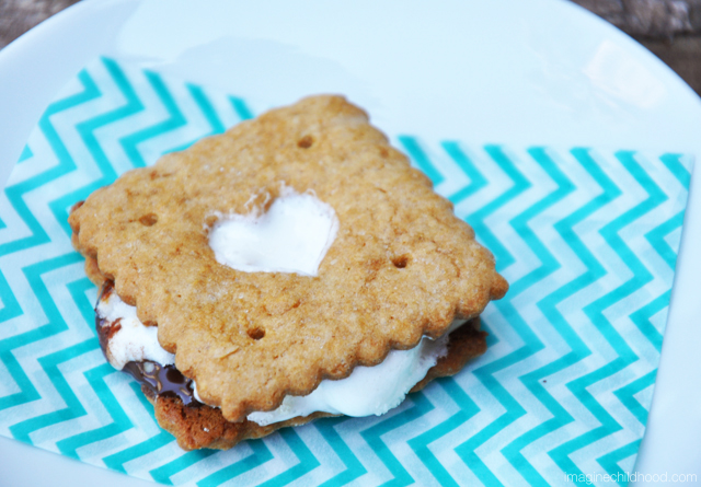 Animal Cracker S'mores via Imagine Childhood